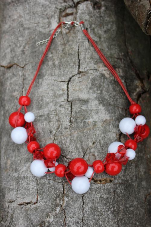 Červeno-bílé korále
