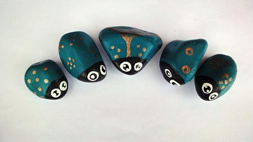 Malované kamínky - Petrolejoví brouci