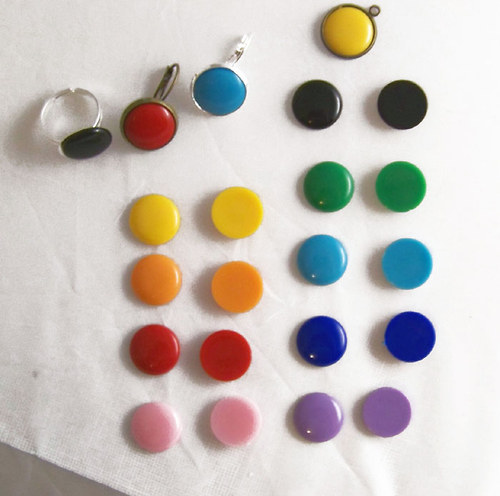 Akryl. čočka PASTEL plochá/ / černá/ 16mm/ 10ks