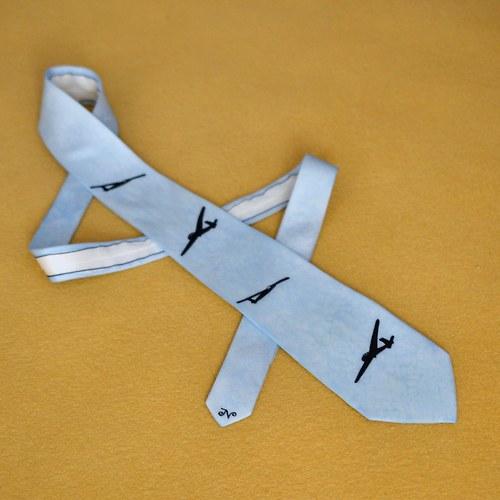 Hedvábná kravata s letadly