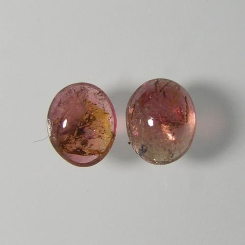 Turmalín - Rubelit, 0,77 ct./Pár, cca. 5x4x2,5 mm
