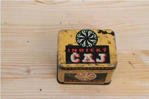Plechová krabička od čaje