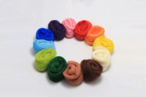 Barvená ovčí vlna 60g - 12 barev