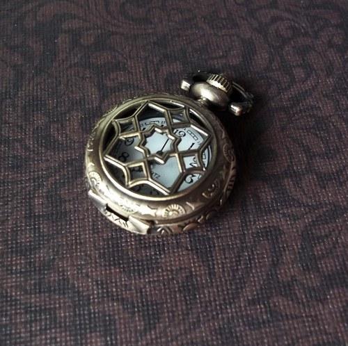 Vintage hodinky s ornamentem