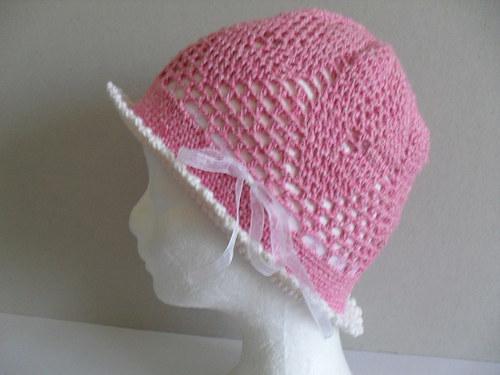 Dívčí klobouček