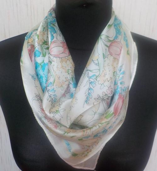 Malý šátek z hedvábí—Květiny 12