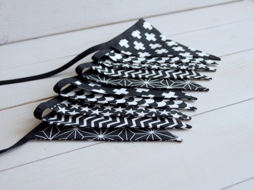 Praporková girlanda - Black & white