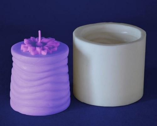 Forma na svíčky Válec vlnky s kopretinou výška 7cm