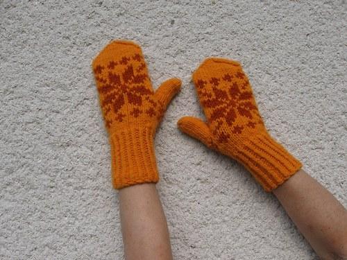 Dámské oranžové rukavice s rezavou vločkou
