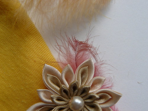 kanzashi brož béžových odstínů