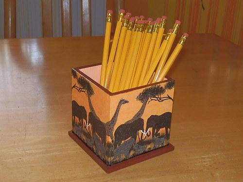 Stojánek na tužky Sloni
