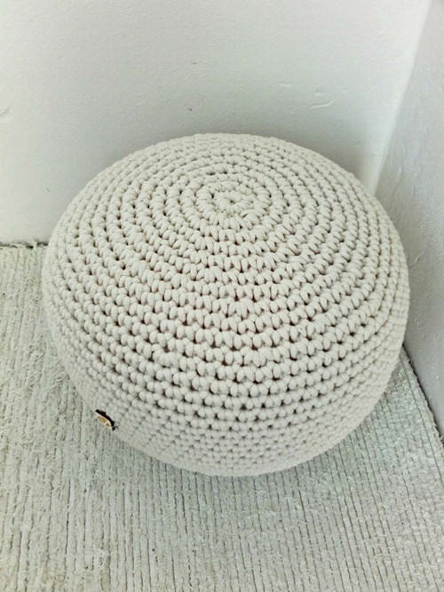 Háčkovaný PUF prírodný bavlna