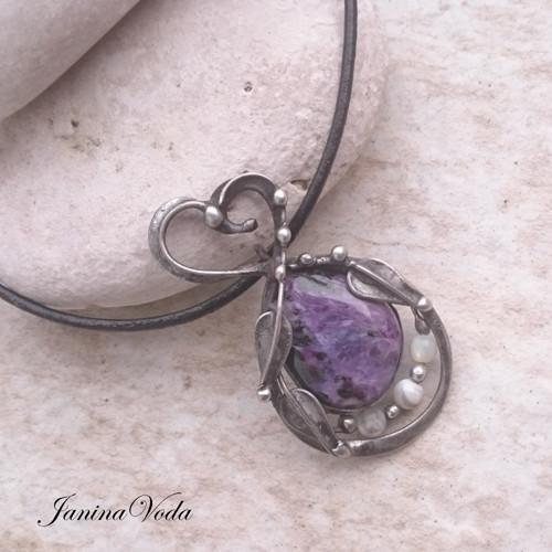 MATRONA náhrdelník ( čaroit )