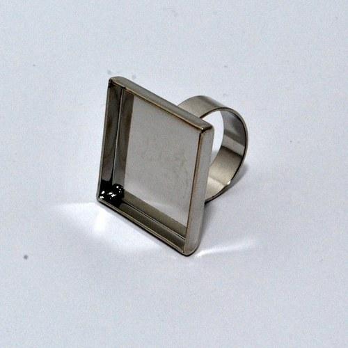 Kovový základ na prstýnek čtverec / stříbrný