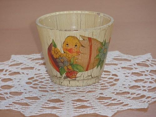 Svícen na čajovou svíčku s kuřátkem