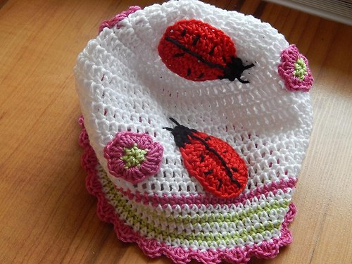 jarní čepice berušky