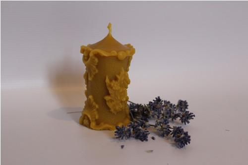 ZDOBENÁ VELKÁ svíčka ze včelího vosku