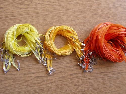 Organza stuha - závěs na náhrdelník oranžový