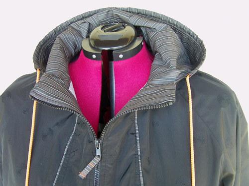 lehká bunda s kapucí vel.52-54