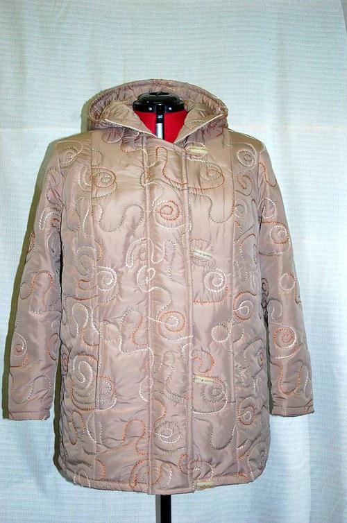 dámská bunda s kapucí vel .48-60