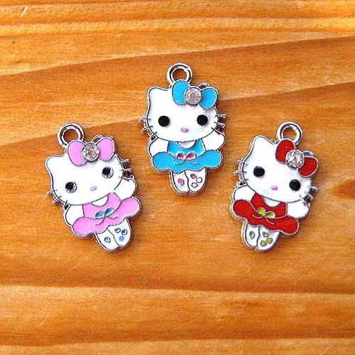Kitty s Punčoškama - Červená