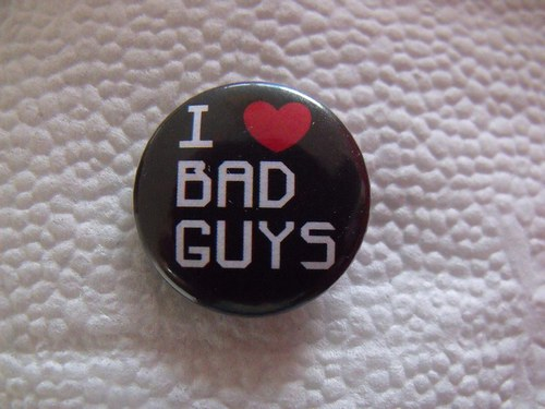 "Button ""I love bad guys\"" (25 mm)"