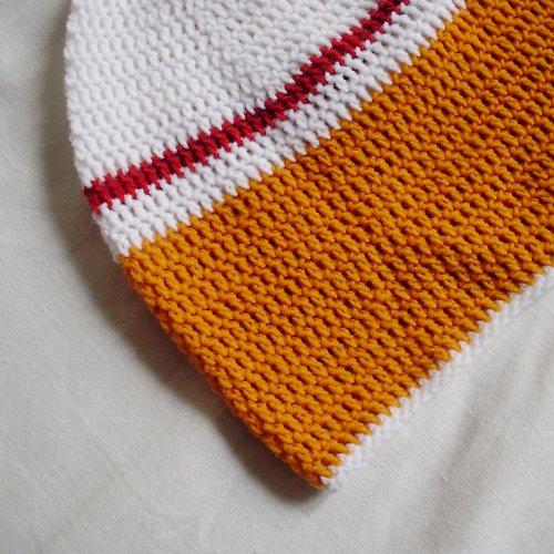 Pruhovaná háčkovaná čepice