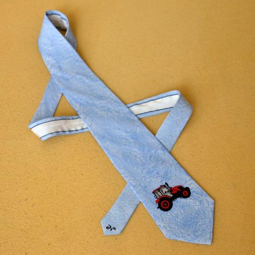 Sv. modrá kravata s traktorem Zetor na přání