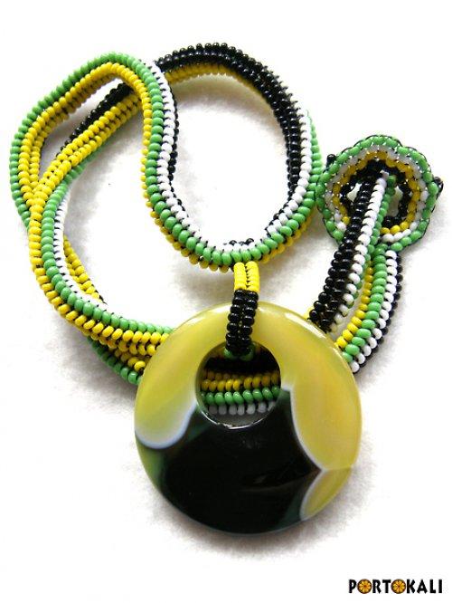 Náhrdelník v barvách Jamaiky - oboustranný
