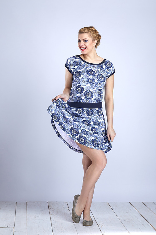Dress Wheeled White/Blue Poppies