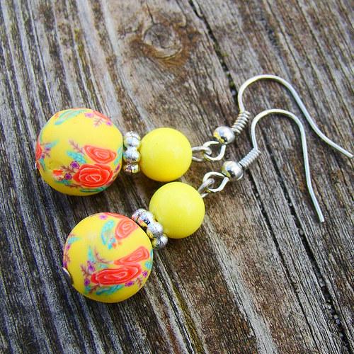 náušnice -  fimo kuličky žluté s kytičkami