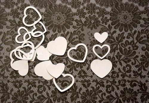 Výseky - 20 srdcí / bílá