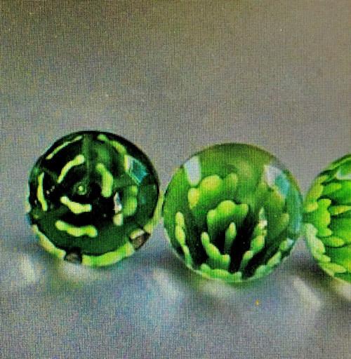 KVĚTINKOVÉ kuličky - hraní, dekorace,CENA  za 1ks