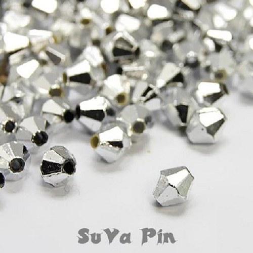 Korálky stříbrná barva 4x4mm; 120 ks