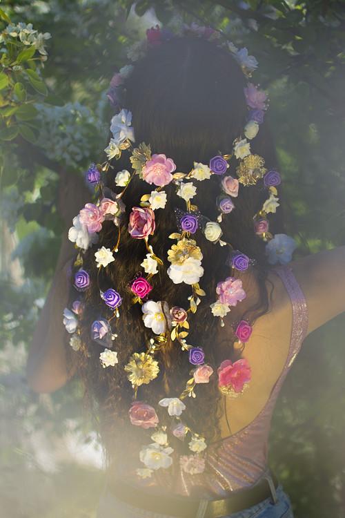 Romantický květinový svatební věneček / pletenec