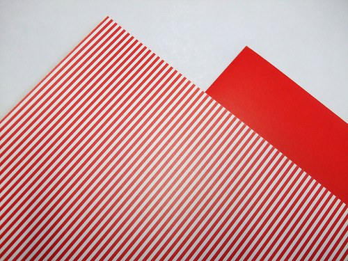 Karton červený proužkovaný