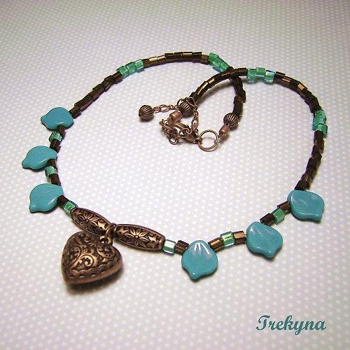 Etno náhrdelník s tyrkysovými lístečky