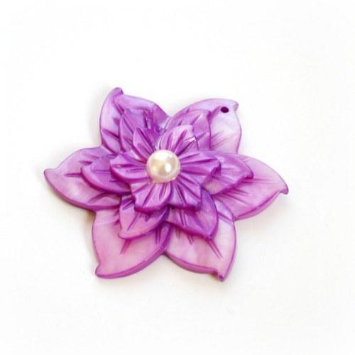 perleťová květina