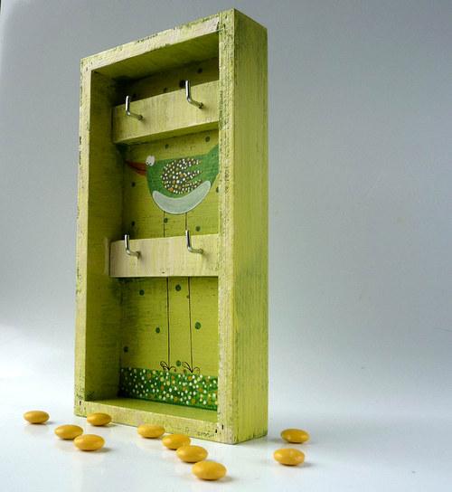 věšák na klíče s alarmem - zelený s ptáčkem
