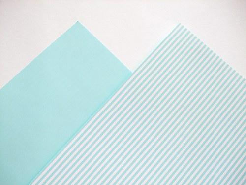 Karton sv. modrý pruhovaný