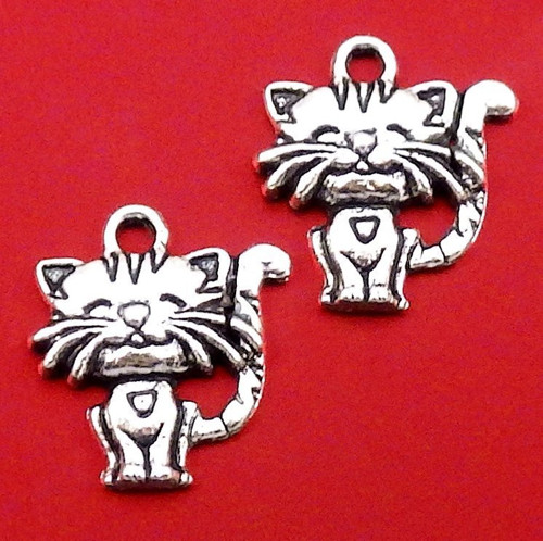 Starostříbrný přívěsek - kočička, 2 kusy