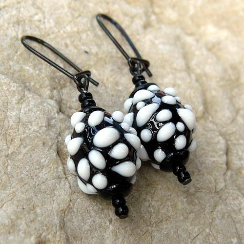 Náušnice - černo - bílé mozaikové olivy