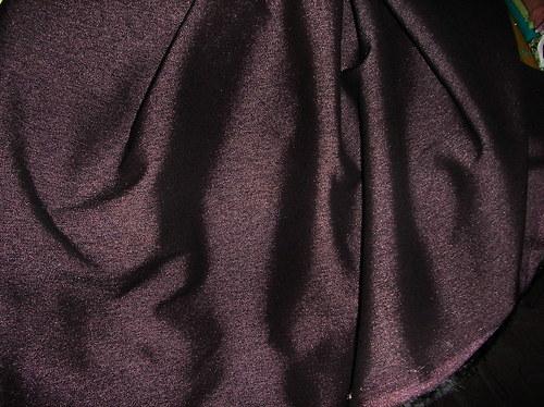 Tmavě fialová lesklá imitace rifloviny