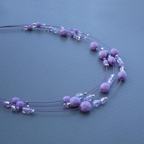 Světle fialový dětský náhrdelník