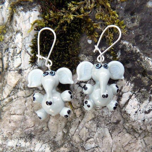 Náušnice šedý slon - vinuté perle