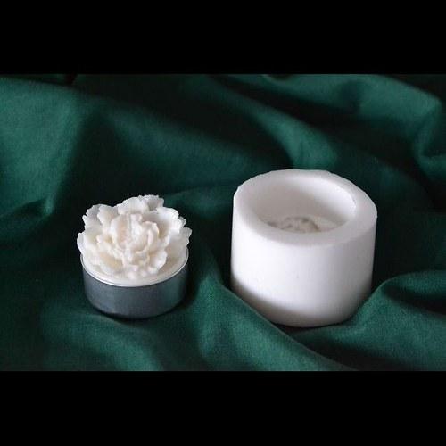 Silik. forma na čaj. svíčku - Květ karafiát