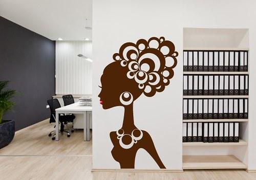 Samolepka na zeď - Afro dívka (30 x 50 cm)