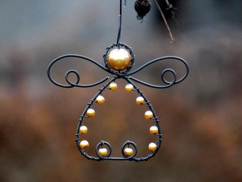 Andělíček-zlatý. Vánoční ozdoba.
