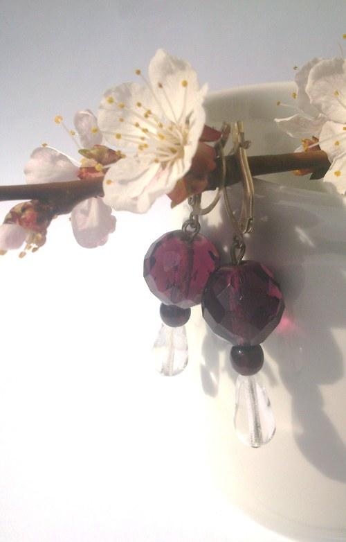 Elegantní fialové náušnice