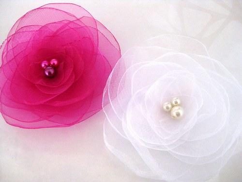 Svatební květy do vlasů